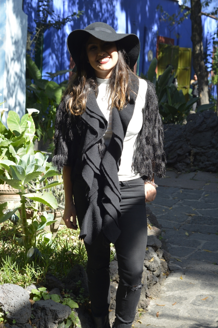 Urban chic black cold outfit
