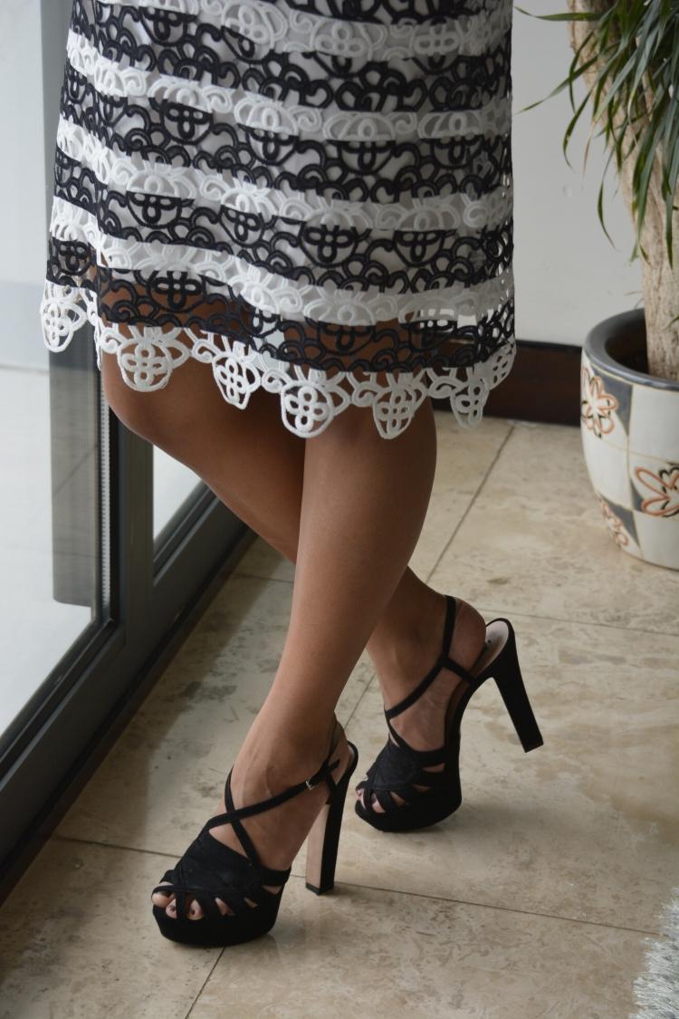 atuendo de verano casual a la moda. Casual style dress fashion