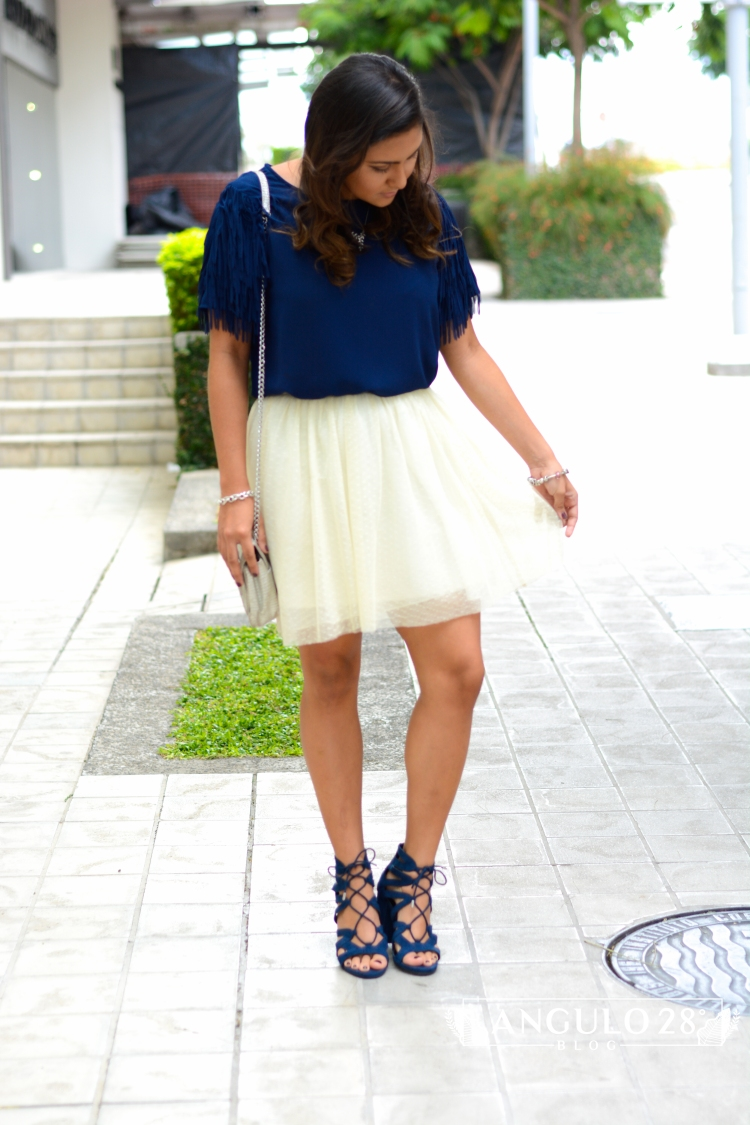 angulo 28 blog outfit inspiration street style blue fringe and skirt 4 .jpg