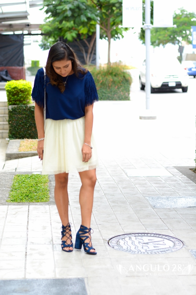 angulo 28 blog outfit inspiration street style blue fringe and skirt